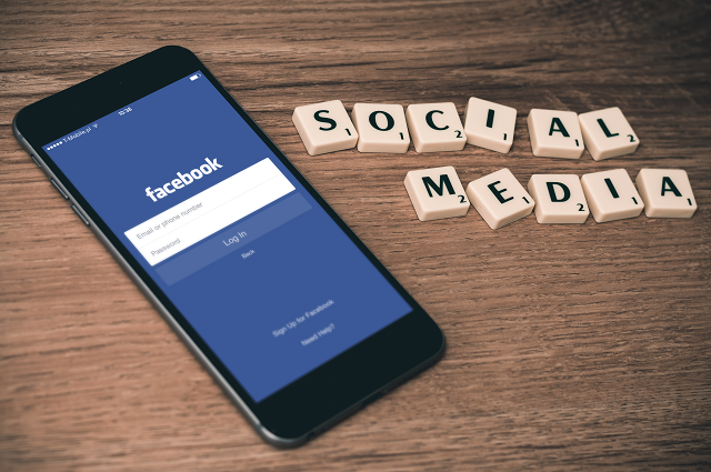 How to Use Social Media to Get Freelance Writing Jobs